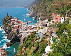 Vernazza, Italy (Markzware Adventures)